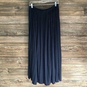 Mossimo | pleated maxi
